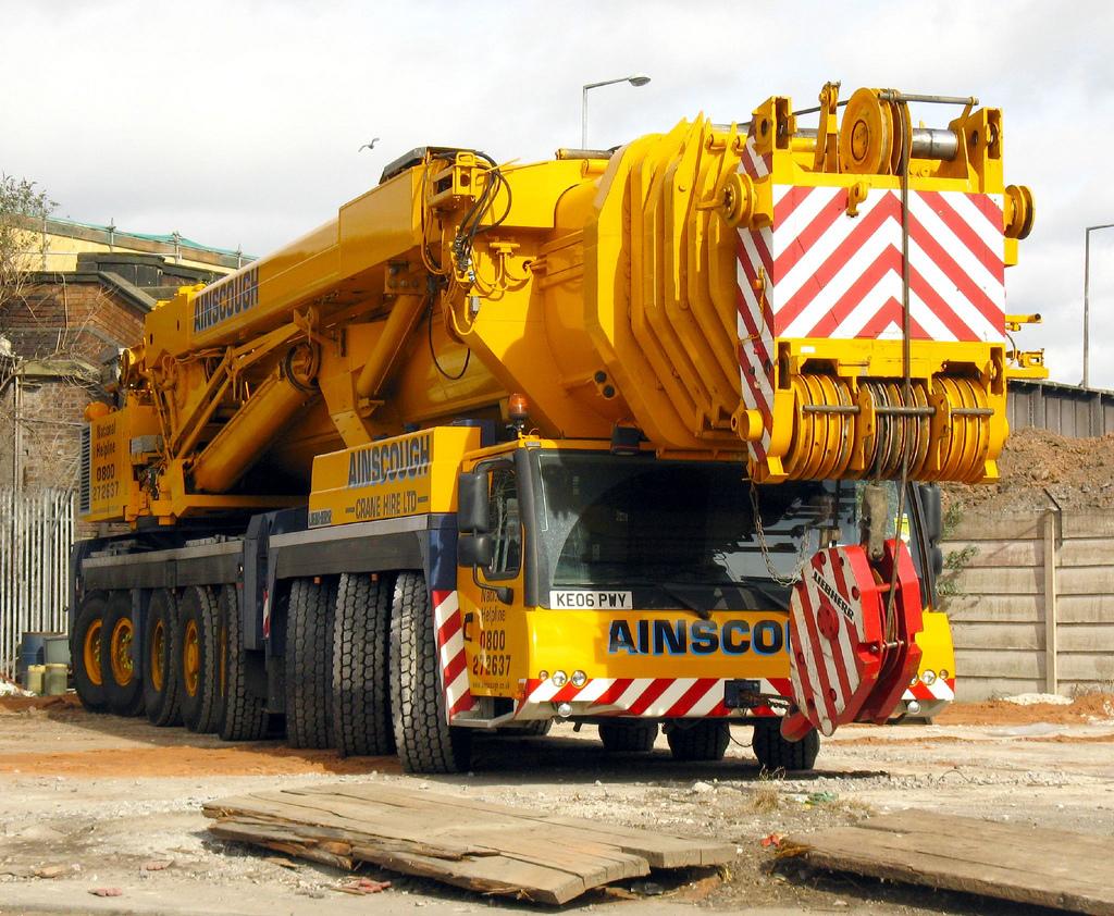 利勃海尔LTM 1500-8.1 型500吨汽车起重机万博手机客户端登录